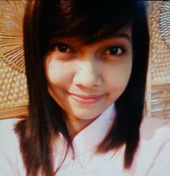色白でグラマーなフイリピン女性20代