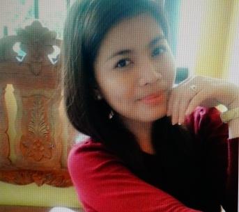 長身でスリムなフイリピン女性20代