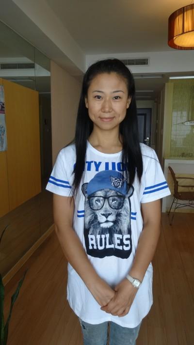 家庭的な面を持つ中国人女性30代