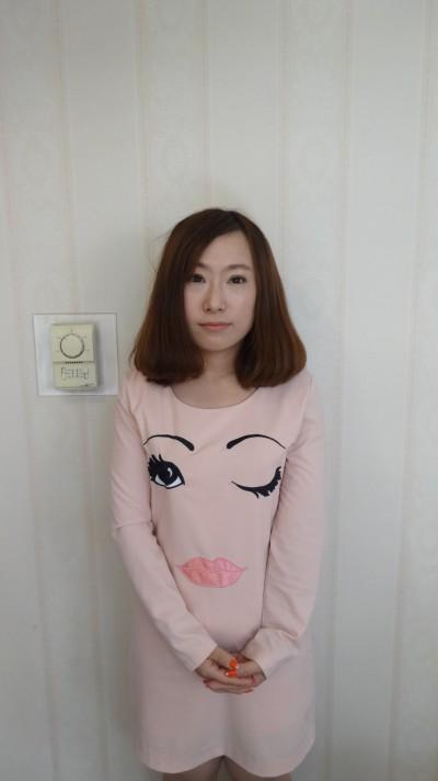 お茶目な中国人女性30代