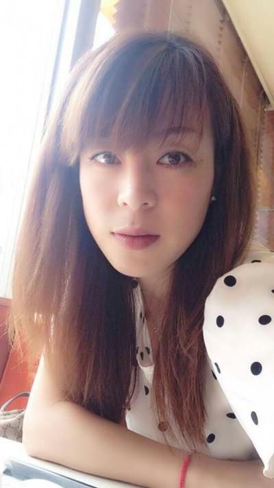 優しい中国女性30代