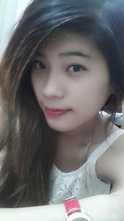チャーミングなベトナム女性20代