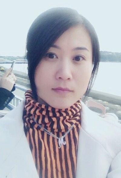 控えめな在日中国女性30代