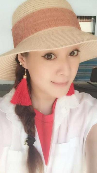 モデル並みの美人中国女性30代