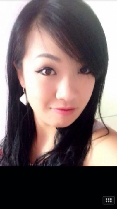 福岡に来日経験のある中国女性30代
