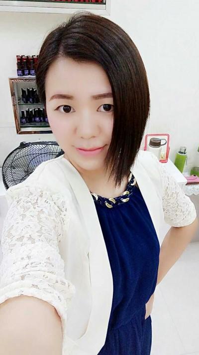 可愛らしい中国女性20代