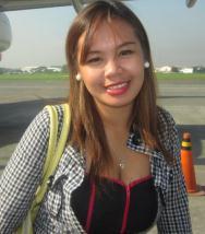 明るくて辛抱強いフイリピン女性20代