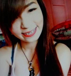 色白でスリムなフィリピン女性20代