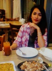 チャーミングなフィリピン女性20代