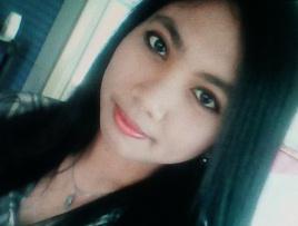 大きな瞳が魅力的なフィリピン女性20代