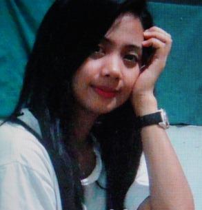 謙虚なフイリピン女性20代