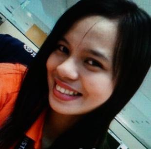 スリムでセクシーなフィリピン女性20代