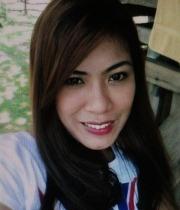 看護婦をしながら頑張っているフィリピン女性20代