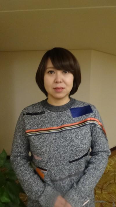 家庭的な中国女性30代