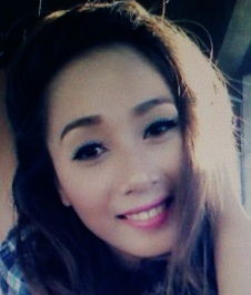 日焼けした肌が魅力的なフィリピン女性20代