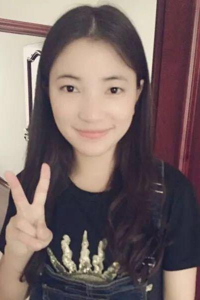 かわいい中国女性20代