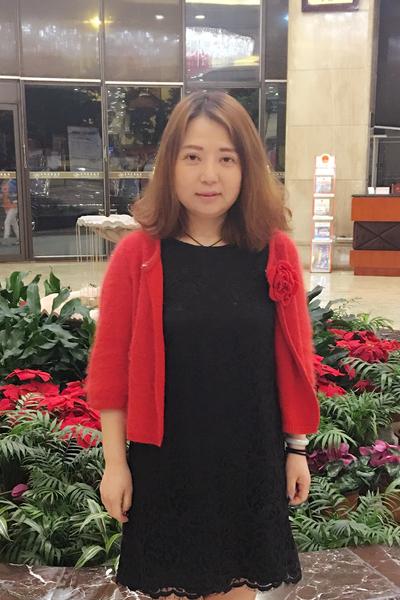 少々ぽっちゃりの中国女性30代