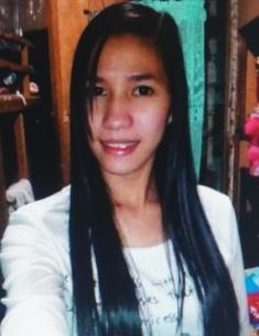 スリムでシンプルなフィリピン女性20代