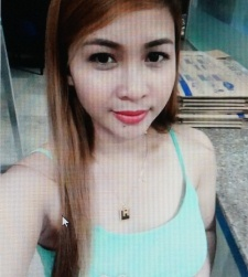 明るくて社交的なフィリピン女性20代