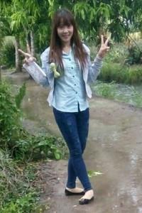 頑張って生きているベトナム女性20代