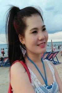 親孝行のベトナム女性20代