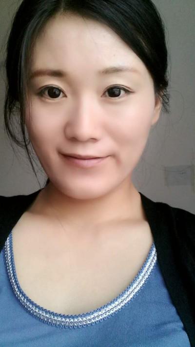 色白で優しい中国人女性30代