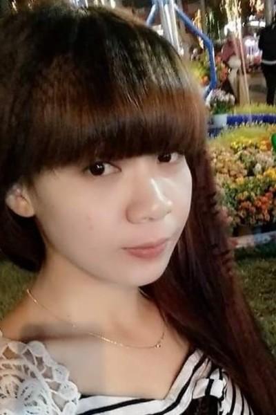 髪の綺麗なベトナム女性20代