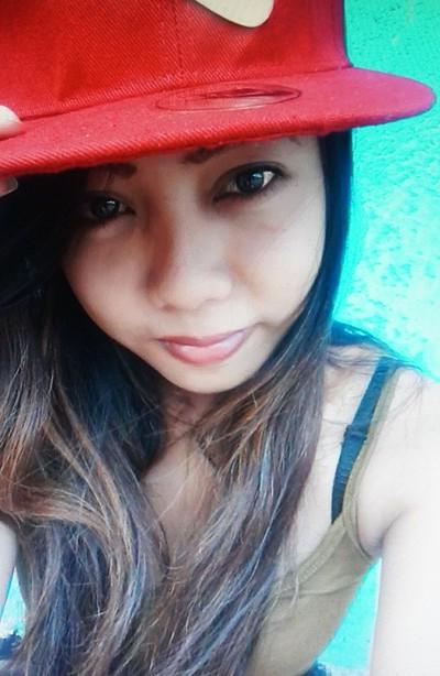 大きな瞳がチャーミングなフィリピン女性20代