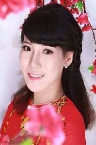 穏やかで品格がありスタイル抜群なベトナム女性20代