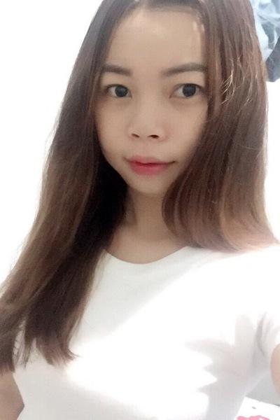 素直なベトナム人女性10代