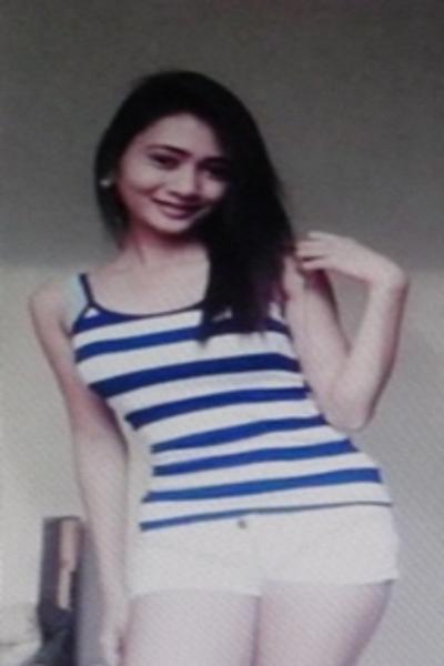 愛情を求めている可愛いフィリピン女性20代