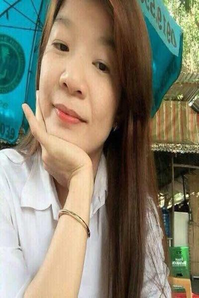 小柄でキュートなベトナム女性30代