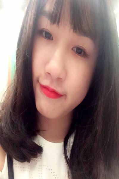 面倒見のよいベトナム女性20代