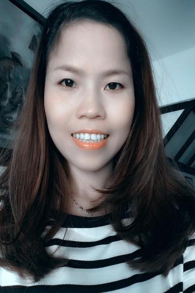 小柄で可愛いベトナム女性30代