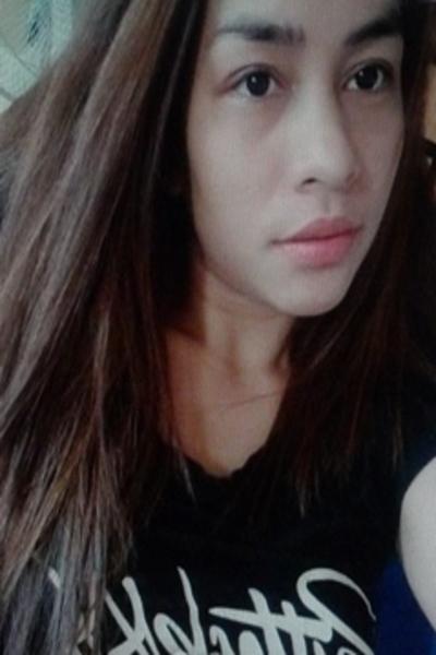 一寸甘えん坊なフィリピン女性20代