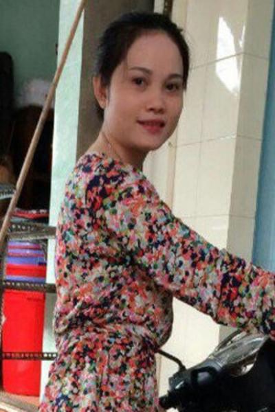 色白でおしゃれなベトナム女性30代
