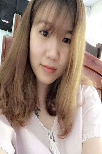 大家族で育ったベトナム女性20代