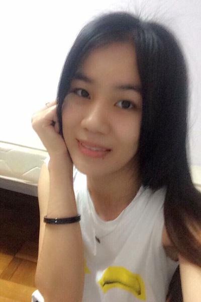 シンガポール在中のベトナム女性20代