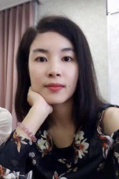 栃木県在中の大人の雰囲気を持ち合わせたベトナム女性20代
