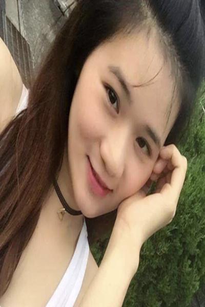 岐阜県在中セクシーなベトナム女性20代