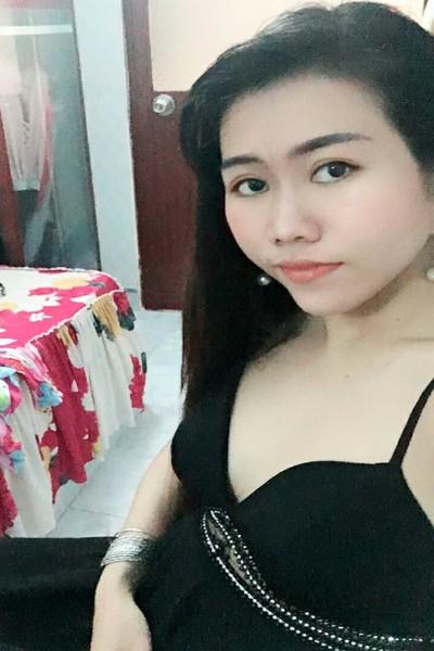 少々内気なベトナム女性20代