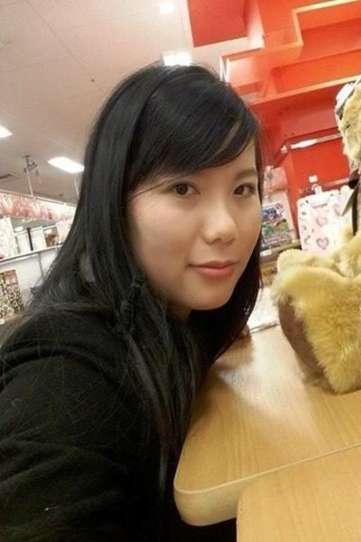 素朴なベトナム女性20代