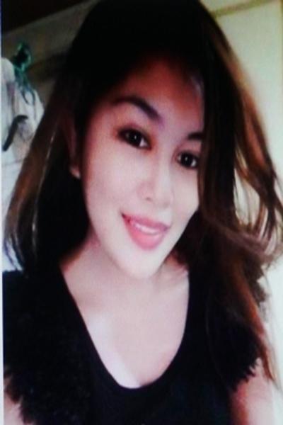 飾り気のないシンプルなフィリピン女性20代