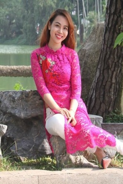 聡明でお洒落なベトナム女性30代
