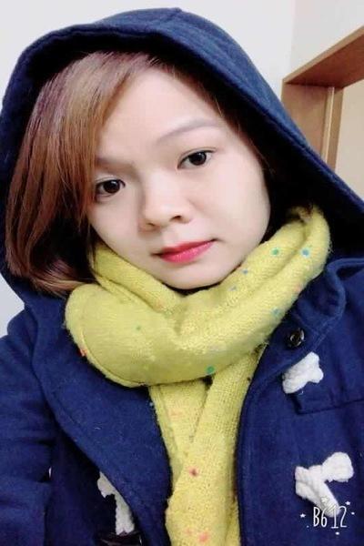 長崎在中の色白で可愛いベトナム女性20代