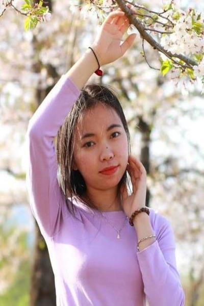 新潟県在中の絵を描くのが大好きなベトナム女性20代