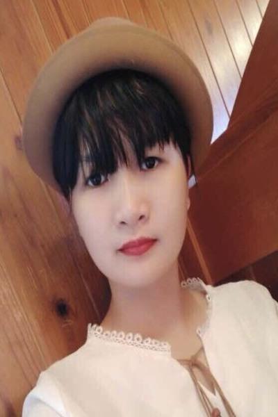 愛媛県在中色白の可愛いベトナム女性20代