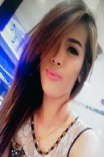 長身でスリムなフィリピン女性20代