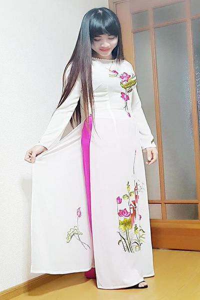 群馬県在中の黒髪のきれいなベトナム女性20代