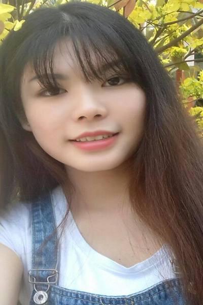 福岡在中の好奇心旺盛なベトナム女性20代